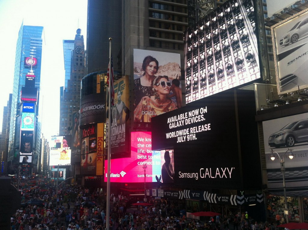 Trotamundos Family en la Plaza Times Square de Nueva York