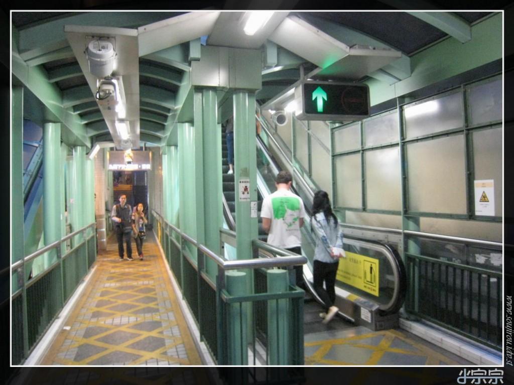 mid-levels-hong-kong-escalator-06
