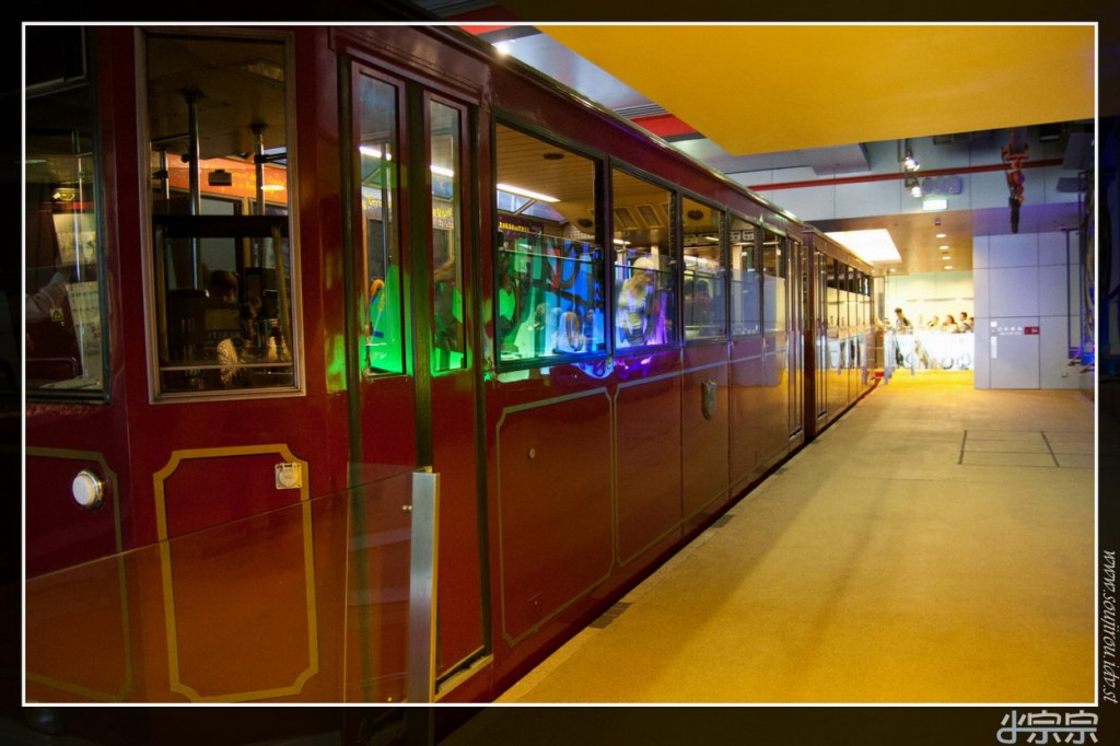 The peak tram hong kong