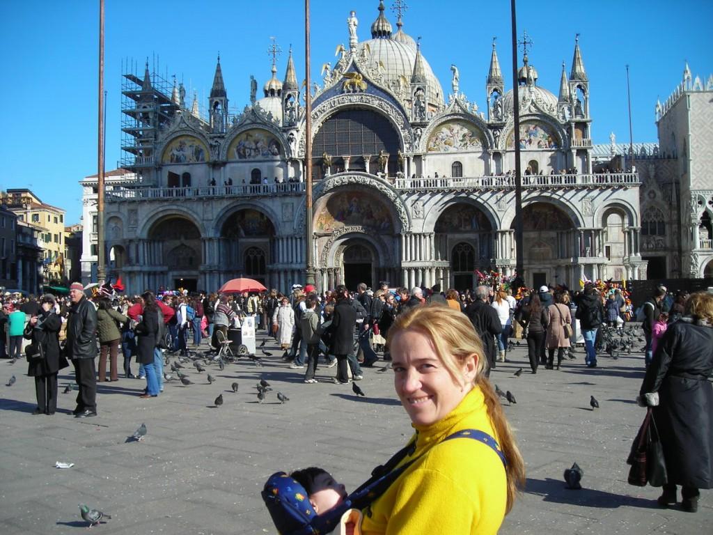 Concurso de disfraces en la plaza Sant Marcos de Venecia